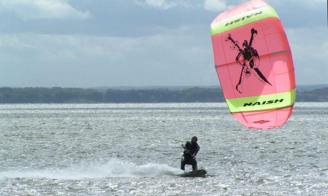 kitesurfing-2002-rok-chalupy-poland-dariusz-ziomek-naish-1999-rok-wake.pl-szkola-kite-kursy-szkolenia.jpg